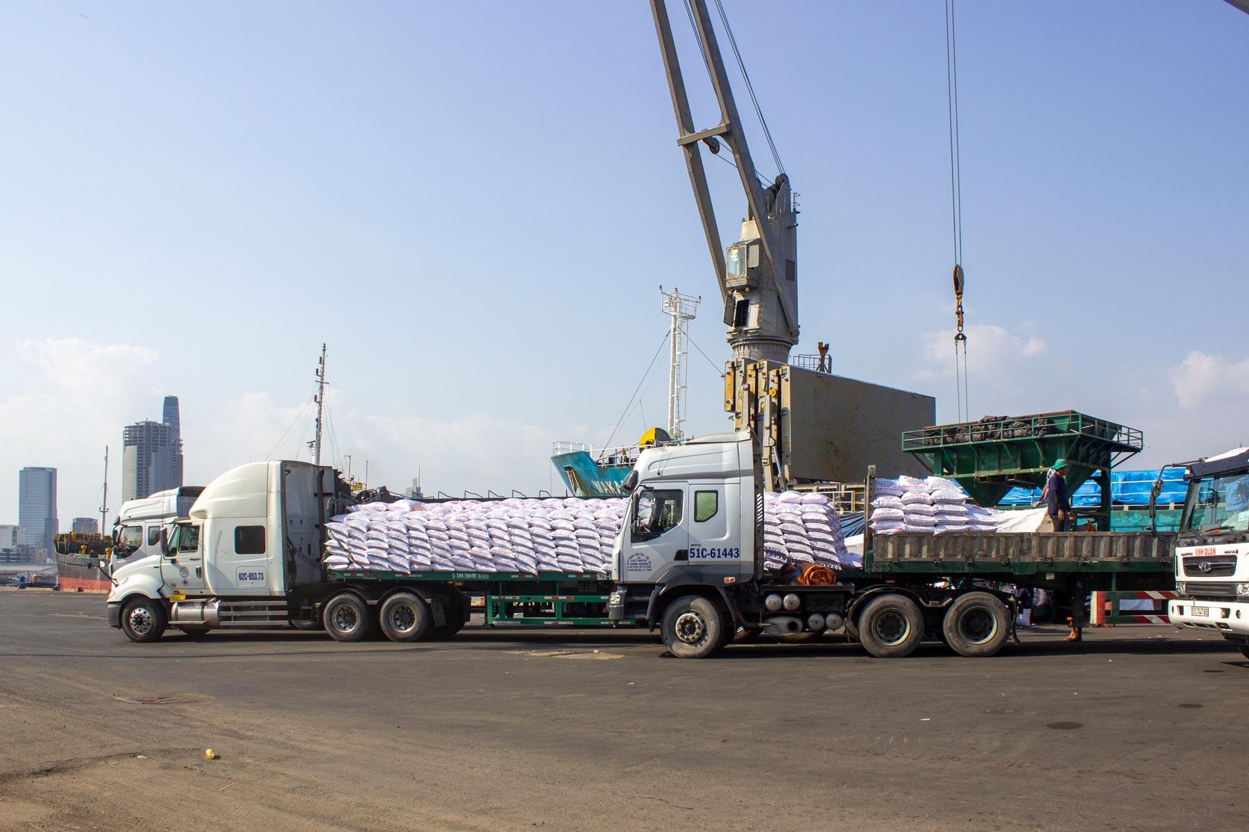 Các sản phẩm phân bón DAP và MAP nhập khẩu vào Việt Nam được áp dụng biện pháp thuế tự vệ kể từ 02/03/2018