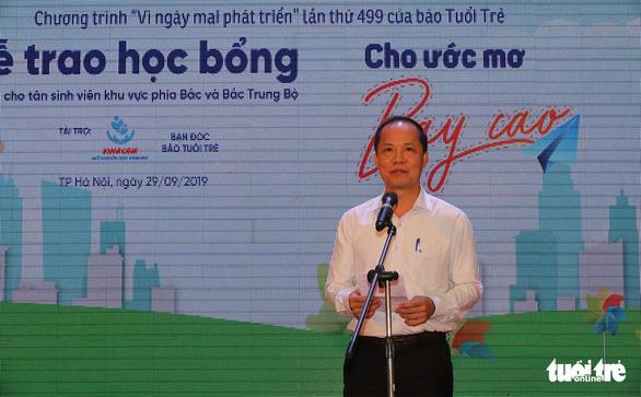 Ông Lê Xuân Trung, Phó tổng biên tập báo Tuổi Trẻ phát biểu tại chương trình - Ảnh: VIỆT DŨNG